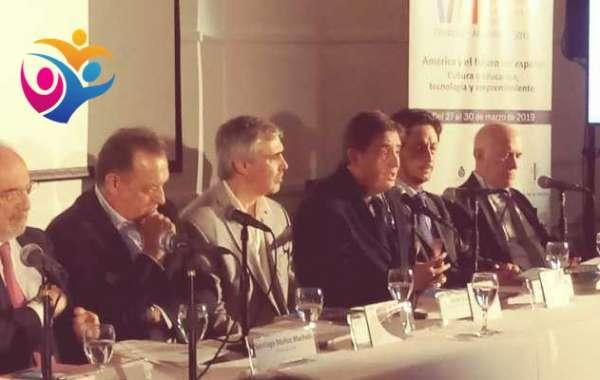 Directores del Instituto Cervantes y la RAE hablan de la petición de AMLO